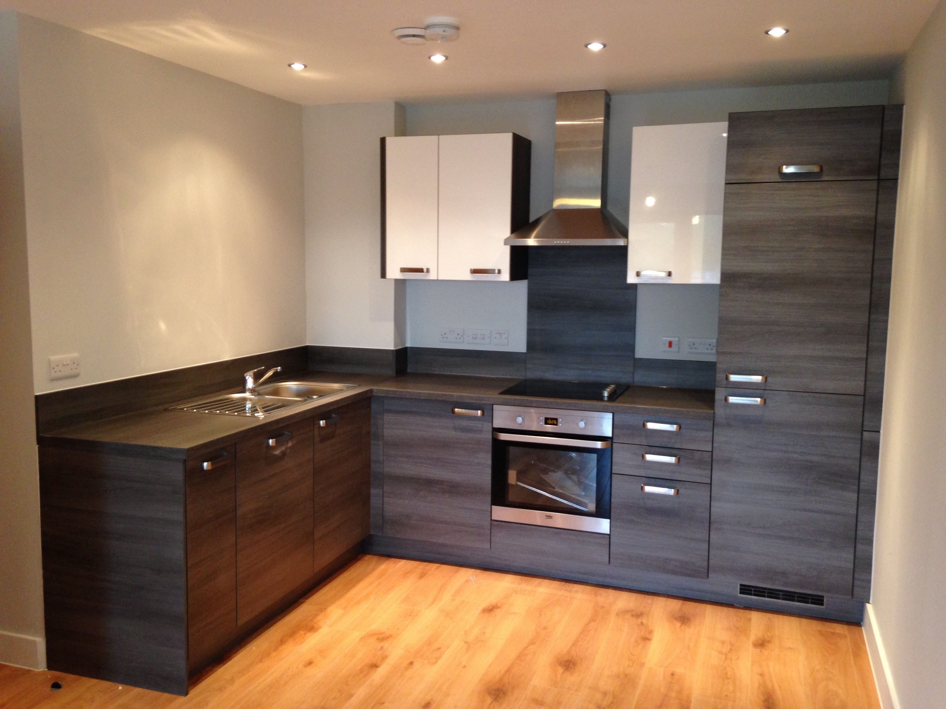Kitchen fitting contractors