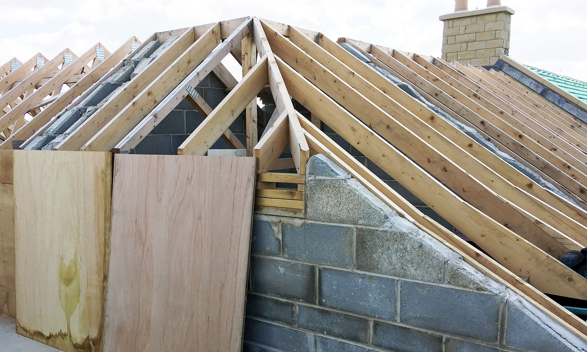 traditional-roof-hip-joinery